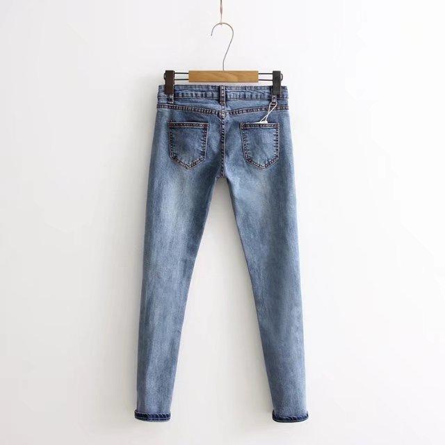 Колено отверстие Бисероплетение Pearl Джинсы женские растягивающиеся узкие джинсы повседневные Slim Fit заклепки джинсы летние длинные брюки середине талии ковбойские
