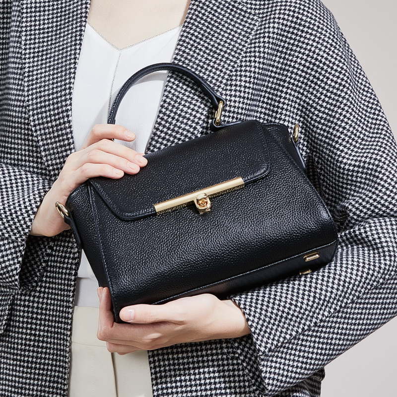 купить Fashion women leather handbag shoulder bags for women 2018 genuine leather bag ZOOLER ladies hand bags borse da donna #2663 по цене 4623.15 рублей