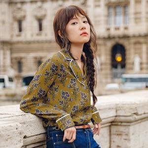 Image 2 - INMAN wiosna jesień klapa w stylu Retro kwiatowy nadruk leniwy wiatr z długim rękawem bluzka damska