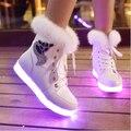 2016 Inverno Nova Coleção Mulheres Ankle Boots de Couro Nubuck Sapatos Luminosos Led Emissor de Luz Impressão de Pele de Raposa de Pelúcia Plana Sapatos