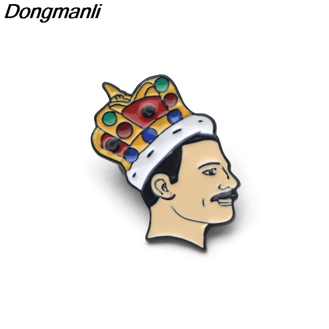 P2269 Dongmanli Cantante di Musica per banda di Arte Freddie Mercury Spille Smalto Morbido Spilla Spille distintivo tifosi Monili di trasporto del Regalo Collezione