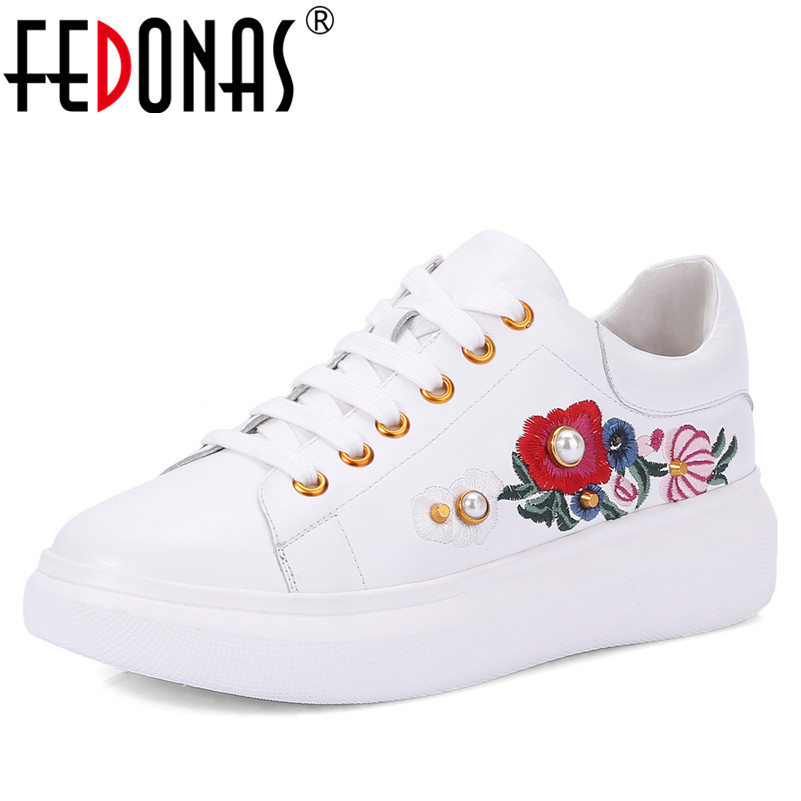 FEDONAS 1New Arrival Women Basic Flats Genuine Leather Spring Autumn Sneakers Casual Round Toe Cross-tied Embroider Shoes Woman women flats brand women shoes women sneakers genuine leather basic female casual shoes round toe spring autumn xammep