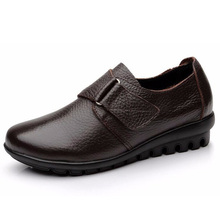 Women Flats mother's shoes Comfortable Genuine Leather loafers women casual shoes Women Moccasins big Size 35 - 41