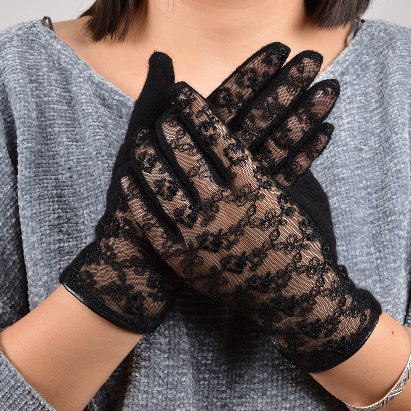 [BYSIFA] Sexy Black Lace Wool Cashmere Gloves Ladies Trendy Winter Gloves Lace Embroidery Soft Women Mittens Gloves Pink Grey