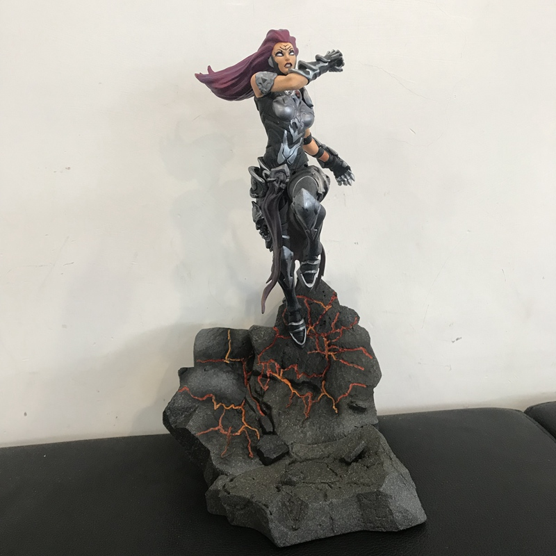 Original DST Figurine Secondhand 21cm Games: Darksiders Moment Scene Action Figure With Base Collectible Model Toy