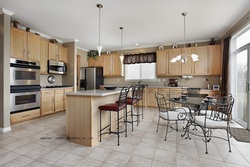Solid wood shaker style maple kitchen cabinets lh sw076 .jpg 250x250