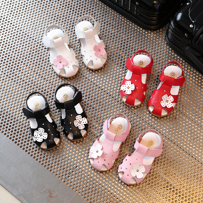 Girls Beach Sandals 2018 Summer New Fashion Flowers Leather Soft Bottom Girl Sandals Baotou Princess Shoes Kids Shoes Shoes