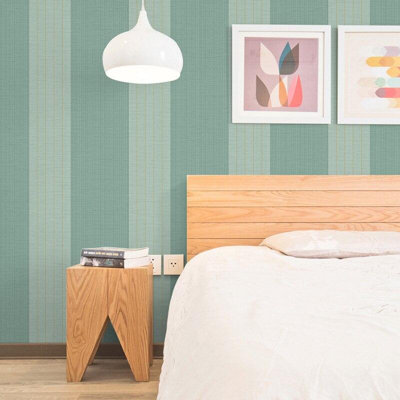 US $28.6 48% OFF Beibehang Moderne einfache vliestapete schlafzimmer  wohnzimmer fernsehhintergrundwand vertikale gestreiften grüne tapete-in  Tapeten ...
