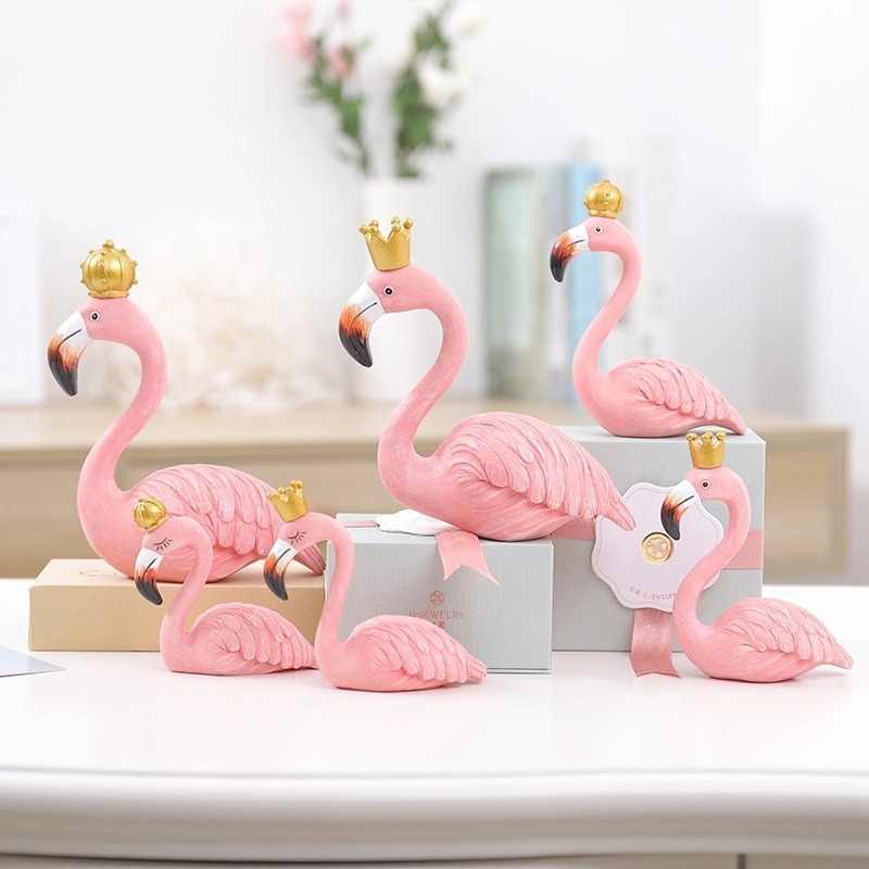 Dropshiping King Queen Flamingo Ornaments Decorative Figurines Desk Decor Wedding Lovers Gifts Home Decoration DIY Resin Crafts