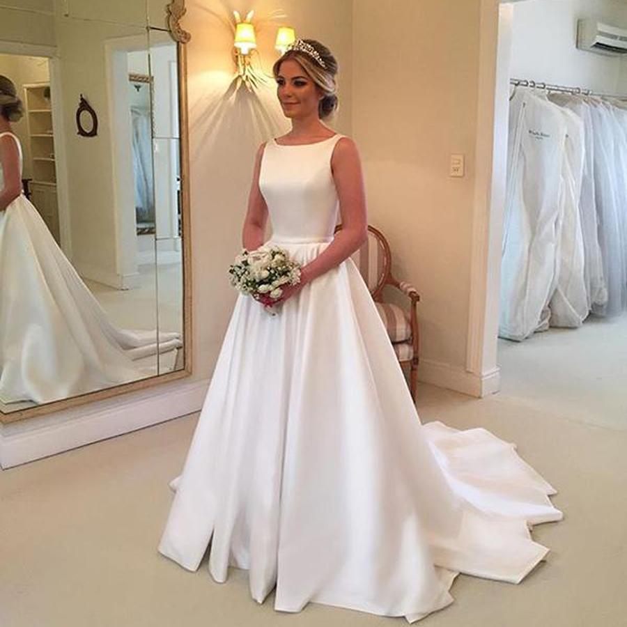 Simple Plain Satin Wedding Dresses 2019 Bow Backless White Ivory Vestido De Noiva Bridal Dresses Scoop Reflective Wedding Gown