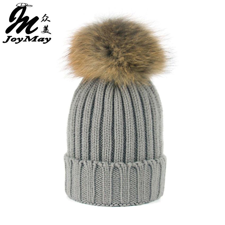 Joymay 2016 Menina Moda Inverno Verdadeira Pele De Guaxinim Chapéus De Pele  15 cm pompom Gorros Cap Chapéu De Pele Naturais Para A Mulher W220 b3f2e05a0d8