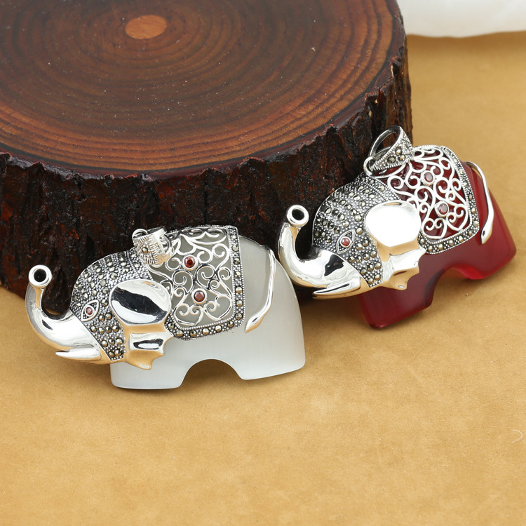 S925 wholesale sterling silver jewelry silver men's and women's fashion lovers retro Marcasite inlay Elephant Pendant 925 sterling silver jewelry silver silver ruyi lucky elephant pendant pendant wholesale silver peace