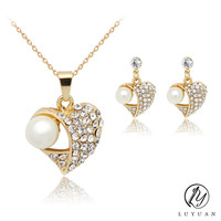 2PCS/Set Simulated-Pearl Pendant Necklace with White Rhinestones Gold Color Chain Heart Necklace Earrings Jewelry Sets For Women