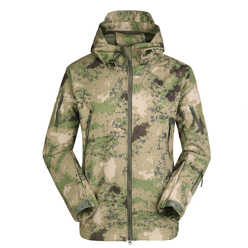 The new soft cap male jackets shark leather fleece jacket jacket wind and rain cold camouflage jacket large size male