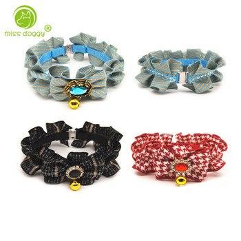 Collar de gato de encaje de flores campanas de moda colgante de diamante para mascotas Collar de perro hecho a mano estilos personalizados collares para perro cachorro