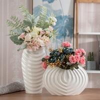 European Creative white ceramic flower vase table vase decoration vase for home wedding decoration modern shell shaped vase