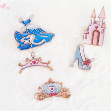 Restoring ancient ways is exaggerated personality fairy tale Cinderella crown brooches package dress brooch