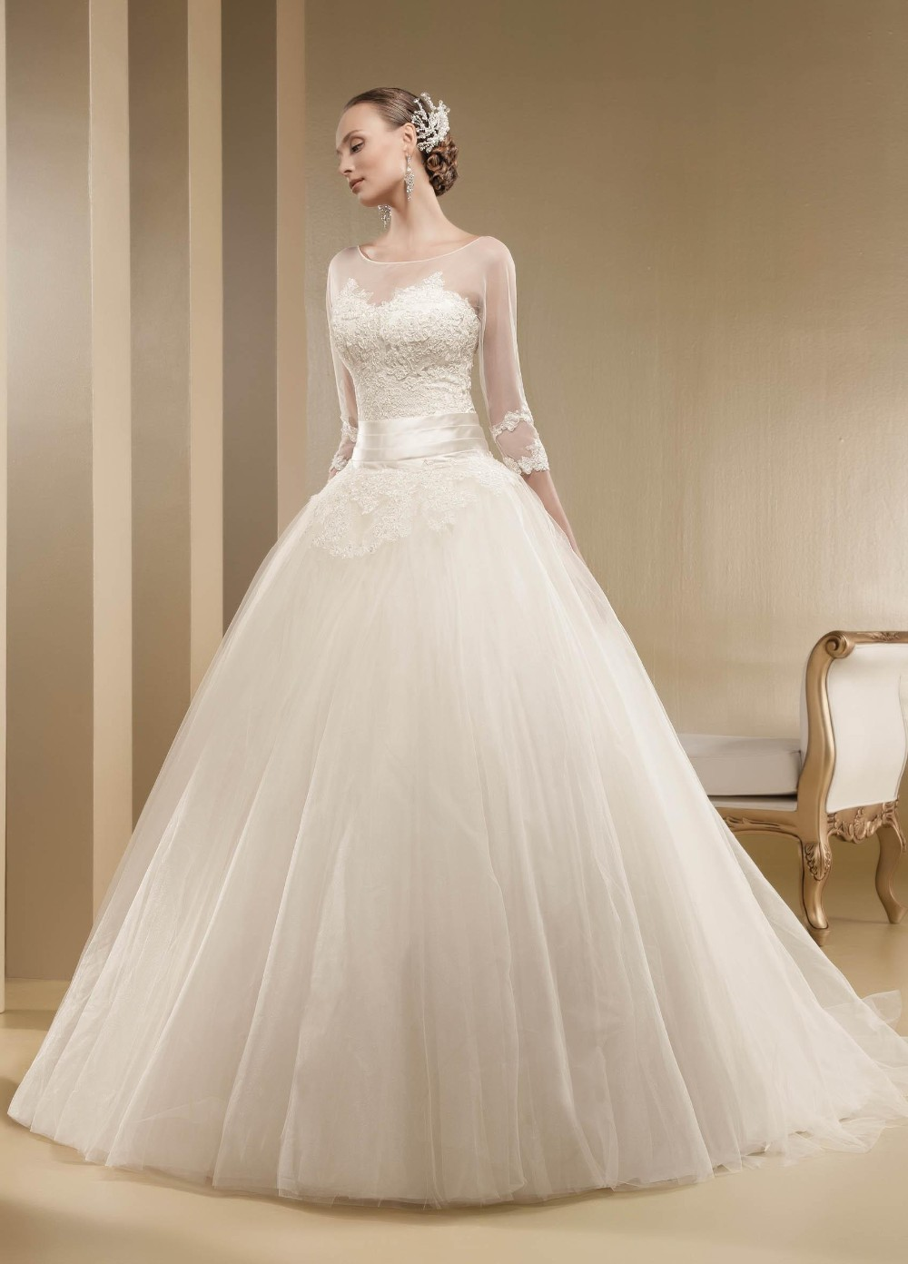 grandeur princess style custom made fluffy wedding dress half sleeve scoop lace up back with