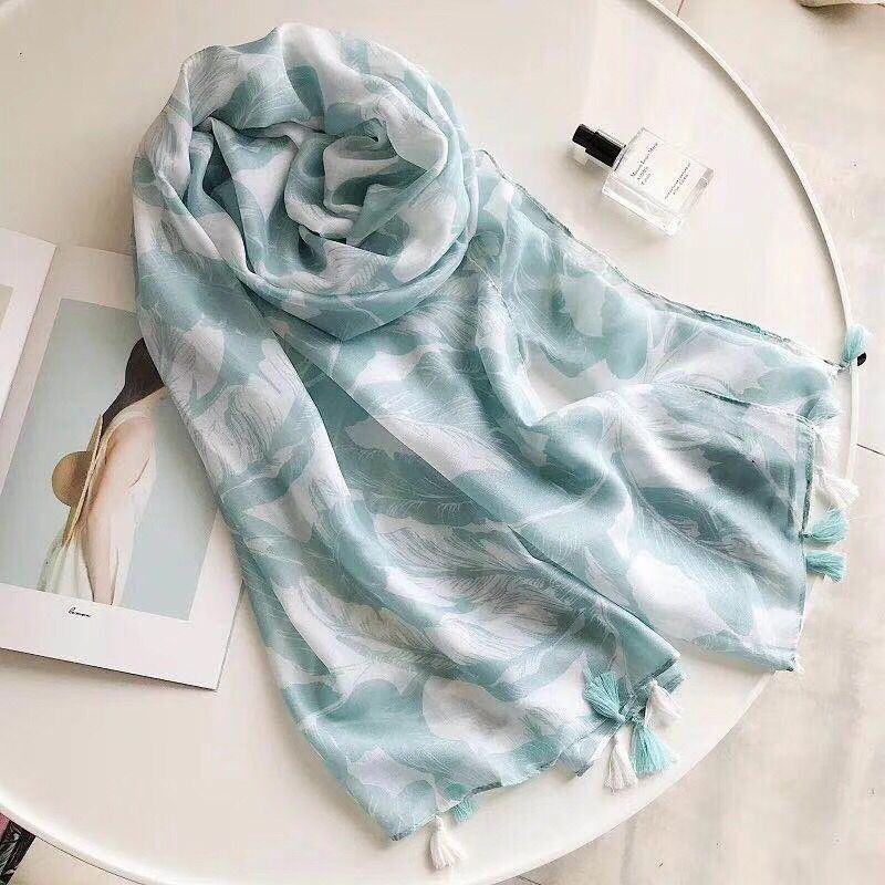 New 2018 leaves printed   scarf  ,cotton viscose hijab,viscose   scarf  ,Shawls and   scarves  ,  wraps   shawls,british style,cape,head   wrap