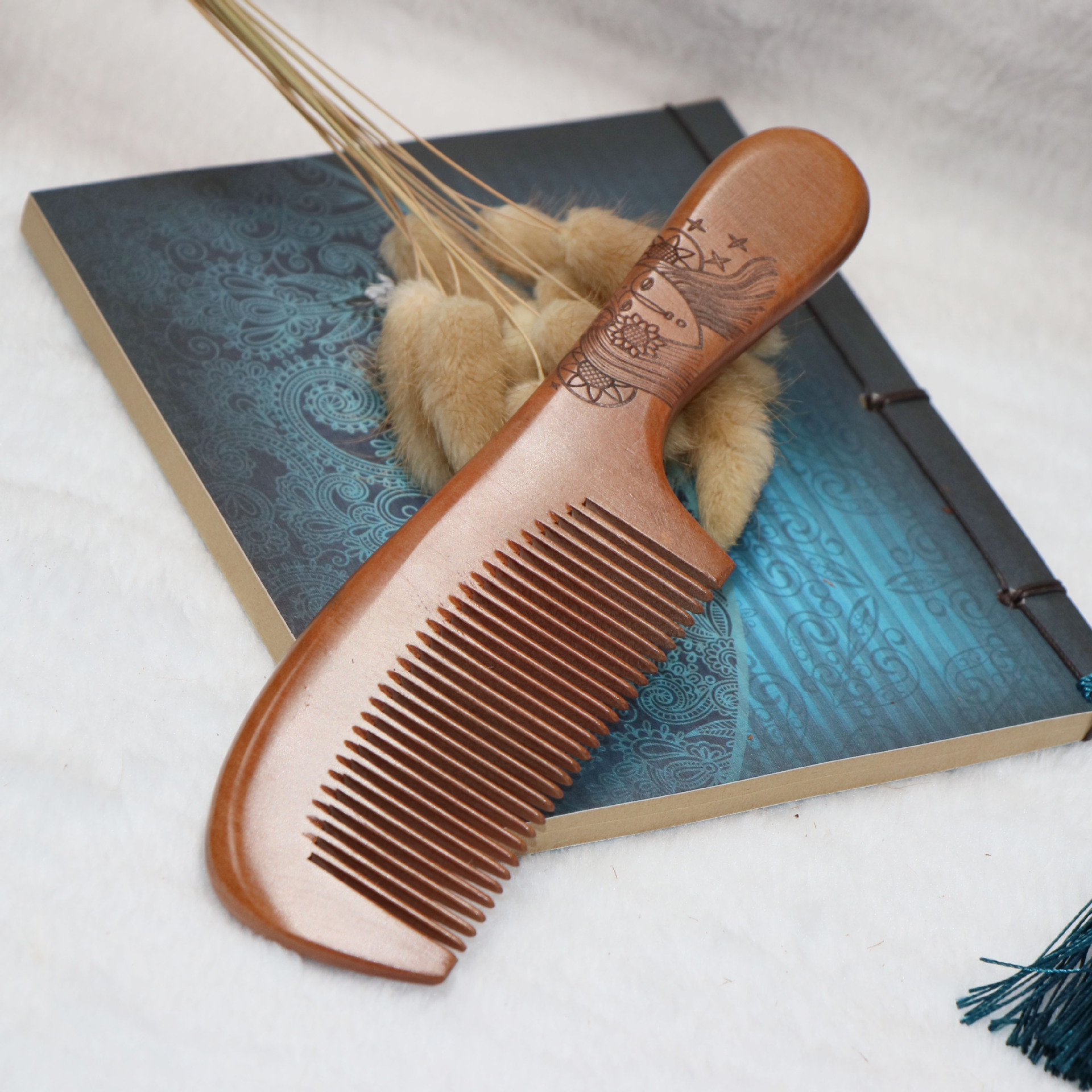 TI27 Fine old mahogany comb sandalwood comb anti-static hair loss hair comb c62 anti static peach wood comb sandalwood wide tooth comb hair comb