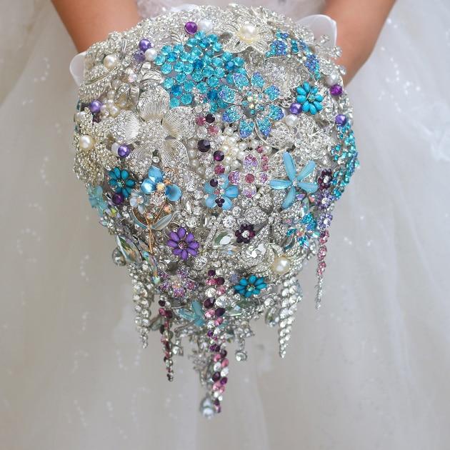 Luxurious Drop Shape Wedding Bouquet Handmade Blue Pearls Crystal Tassel  Bride Bouquet Holding Flowers Brooch Accessories