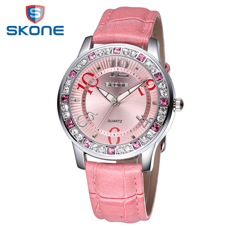 Prix pour SKONE Mode Montre À Quartz Pour Les Femmes Strass De Luxe Marque Montre Femmes Horloge Sport Casual Montre-Bracelet Hombre Montre Homme