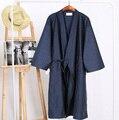 2016 de invierno azul marino de los hombres chinos de satén de seda robe bordado del kimono de baño vestido dragón