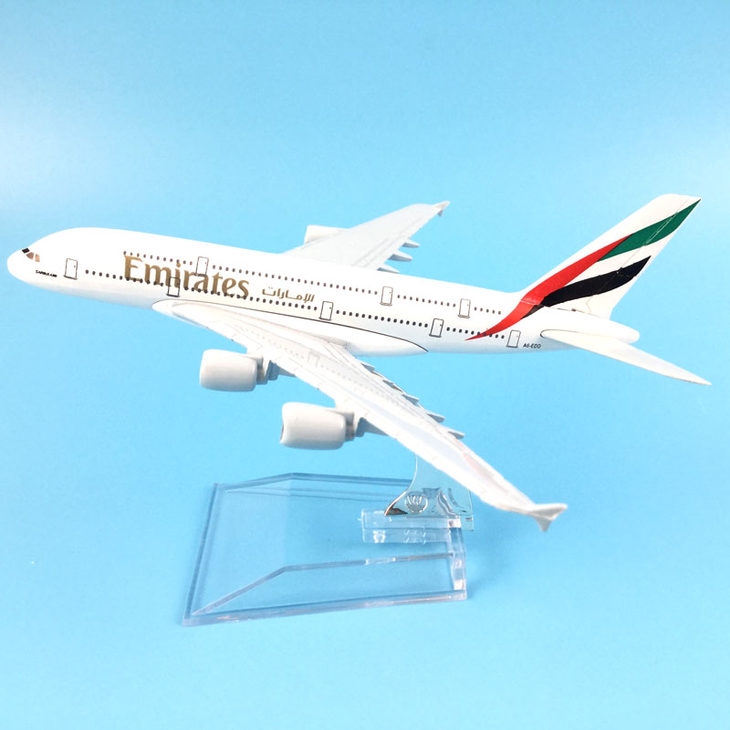 SPEDIZIONE GRATUITA Air Emirates A380 Airlines Aereo Modello Airbus 380 Airways 16 cm Lega di Metallo Aereo Modello Del Basamento w Aeromobili M6-039
