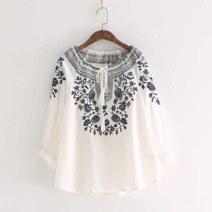 Retro national style embroidery shirts spring and summer women's top fringe pullover blouse fashion blusa feminina