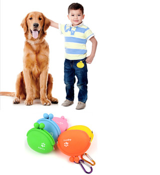 Cats Dogs Feeder Silicone Bottle Pet Dog Walking Food Treat Snacks Bag Outdoor Dog Training Food Storage 17102650