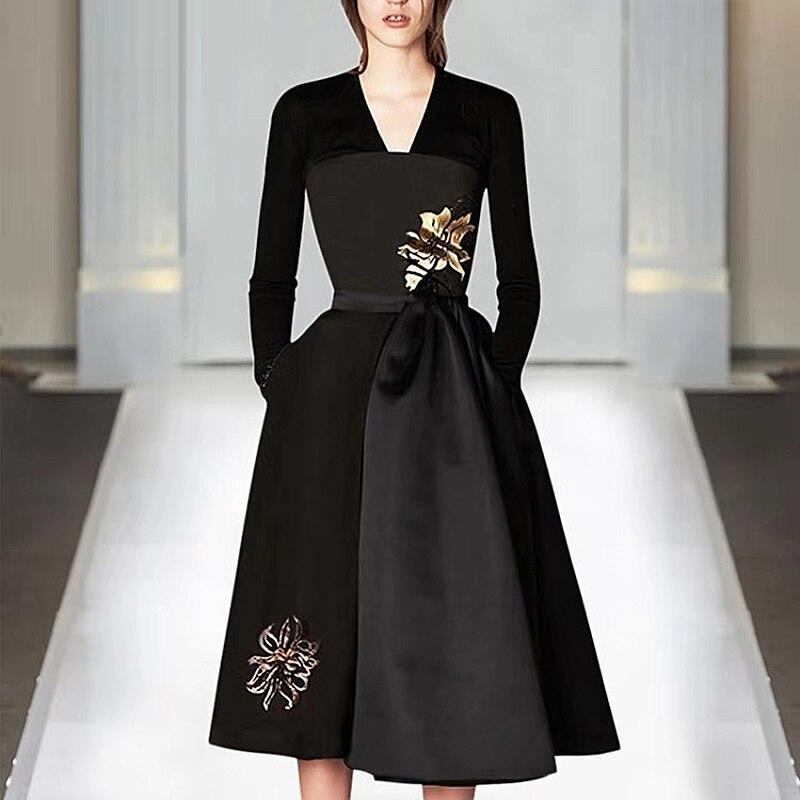 XF 1127-14 Q 2019 printemps mode Designer piste été robe femmes à manches longues Floral broderie col en v Sexy robe noire