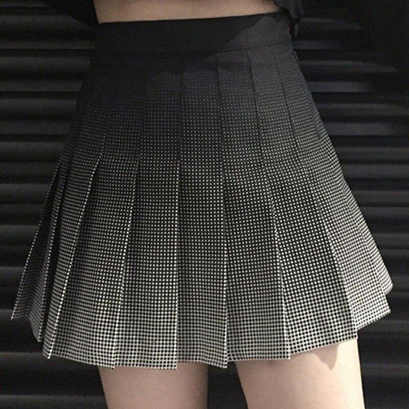 b059f3167 Moda coreana gradiente negro Plaid plisado Falda Mujer verano 2018 Harajuku  Vintage alta cintura colegiala Falda corta