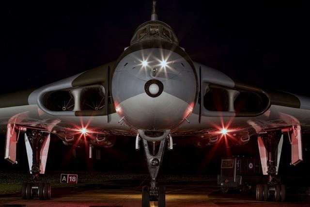 military avro vulcan strategic aircraft airfield bomber lights QX201 home wall modern art decor wood frame poster