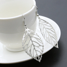 2018 Pendientes Mujer Hot Fashion Wholesale Jewelry Hollow Metal Leaves Dangling Long Statement Drop Earrings For