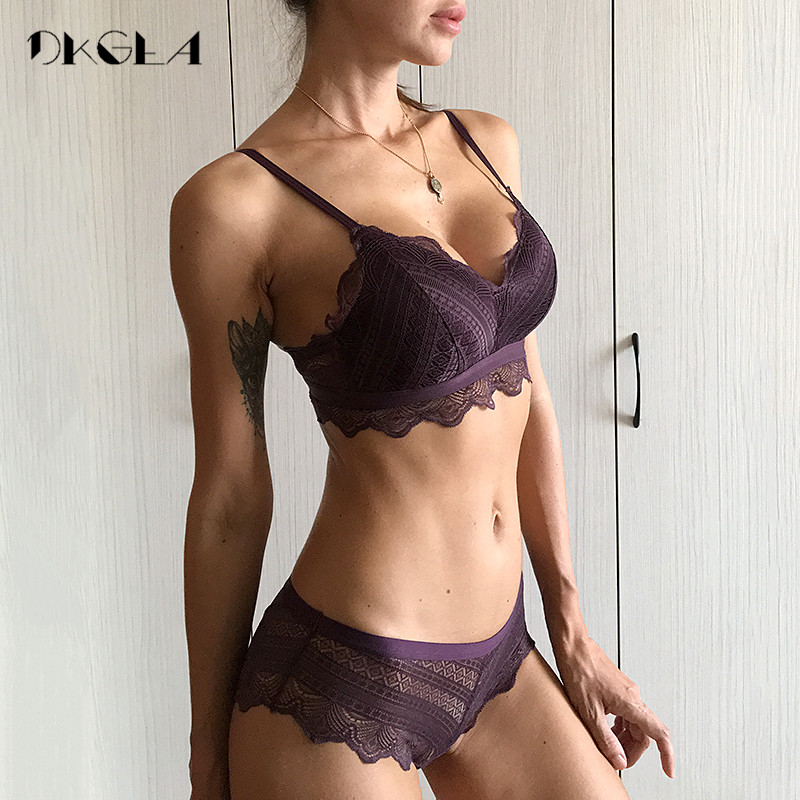 New Top Blue Bra Panties Set Lace Lingerie Thin Cotton  Brassiere Wire Free Embroider Bra Women Underwear Set Sexy Deep V Gather