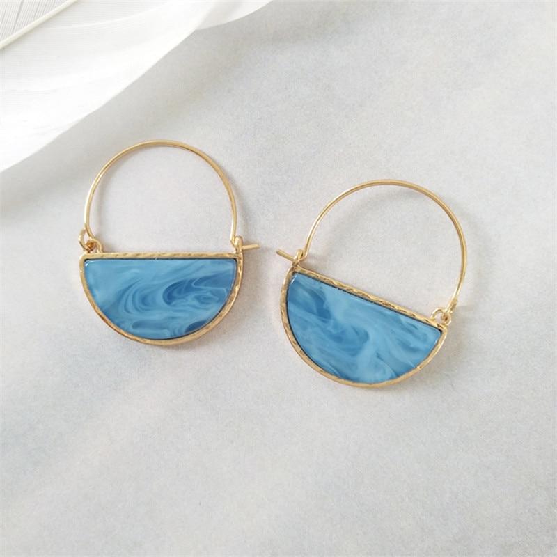 Retro fashion personality semicircle earrings temperament delicate fashion earrings 2018 women geometric fashion earrings in Drop Earrings from Jewelry Accessories