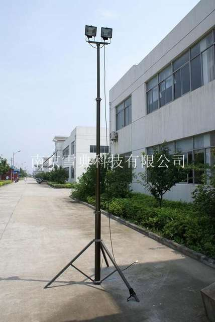 portable pneumatic telescopic masts with tripod/antenna