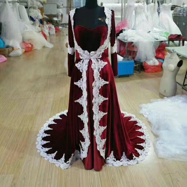 Actual pictures burdundy velvet+white french lace long sleeves muslim wedding dress court train traditional bridal gown