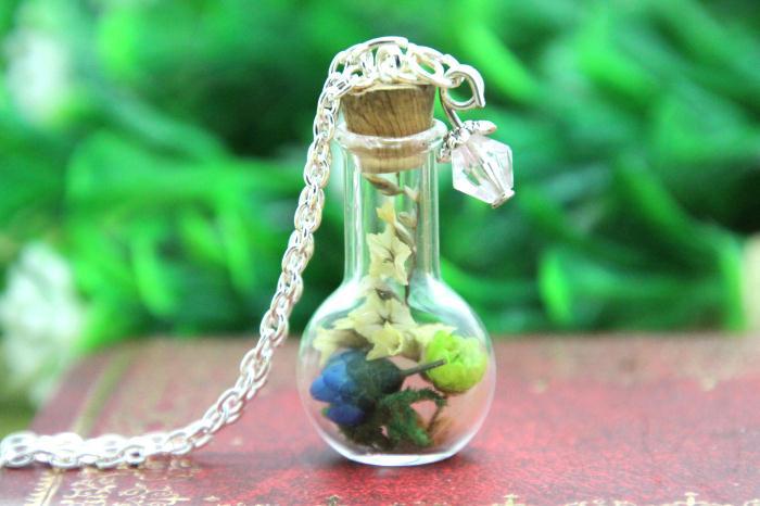f7214bacd97f Colorida Flor de Cristal Collar de la Botella Musgo woodland joyería de  cristal collar de cadena de plata
