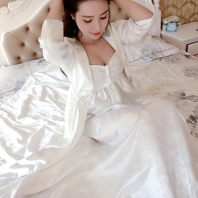 Free Shipping 100% Silk Women's Nightgown Sets Two-Piece High-End Pure Silk Bathrobes White Princess Robe
