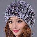 2016 Novo e Elegante Chapéu Mulheres Tampão do Inverno Cor Genuine Caps Gorros Chapéu Rex Pele de Coelho Casuais