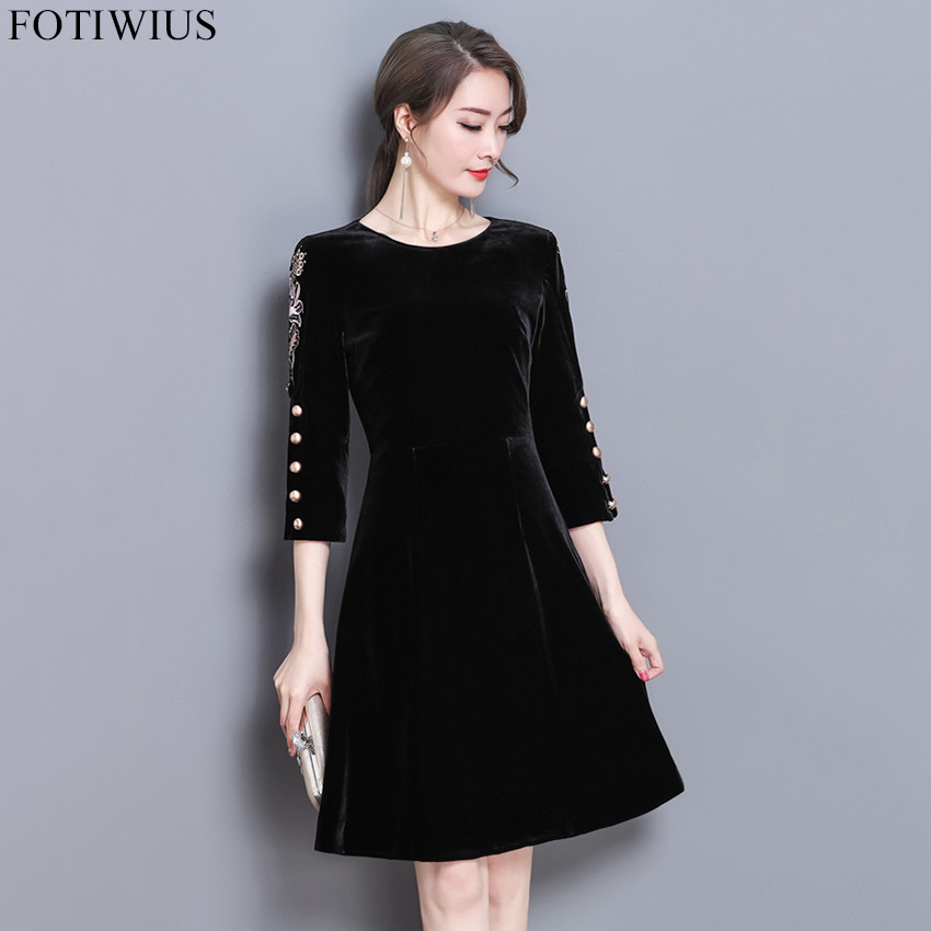 US $24.99 20% OFF|Autumn Winter Red Black Velvet Dress Women Plus Size  Dresses Vintage Floral Embroidery Velvet Dress With Sleeves Robe Femme  Ete-in ...