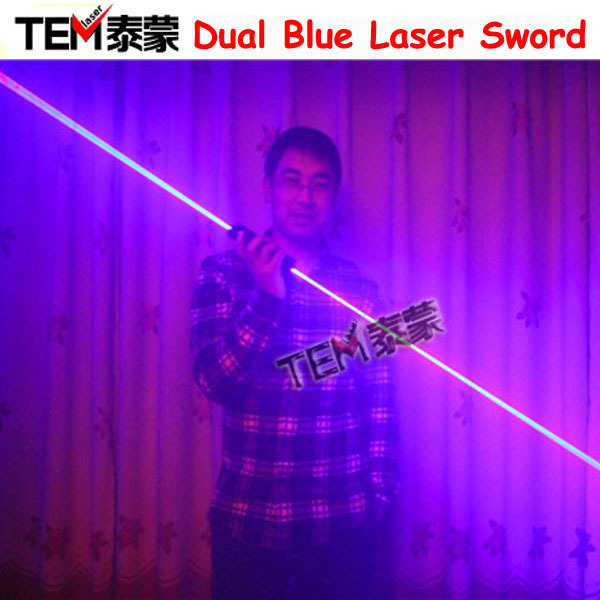Doprava zdarma Mini Dual Směr Blue Laser Sword Pro Laser Man Zobrazit 450nm 1000mW Double-Headed Wide Beam Laser
