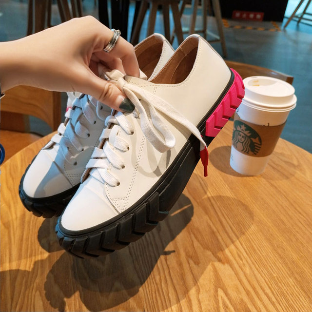 Women Casual Shoes White Color Leather Women Flats Round Toe Women Sneakers Low Top Lace Up Cool Brand Super Star Woman Shoes