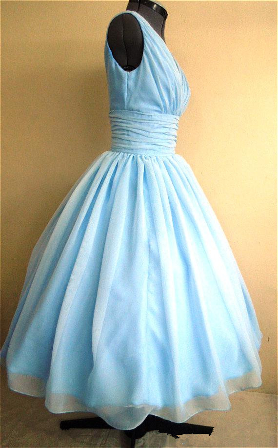2016 New Simple and Elegant 50s Style Dress With Light Sky Blue Silk  Chiffon Overlay V Neck Flattering For All Sizes Hottest-in Prom Dresses  from Weddings ... 34205fd82353