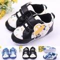 Clásico Caliente Nuevo bebé zapatos bebe infantil primeros caminante del bebé niños coche de la historieta del otoño del resorte zapatos para caminar bule y negro color