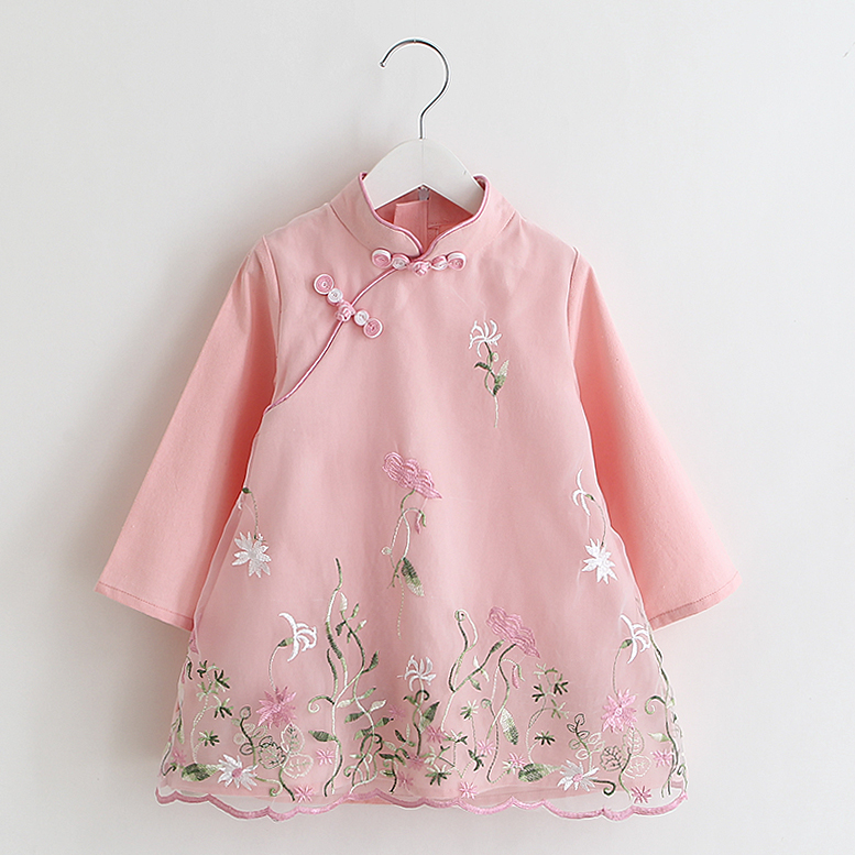 The new spring clothes embroidered cheongsam retro dress long sleeved dress