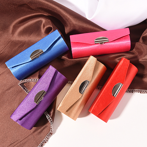 Random Color Fashion Lipstick Case Retro Embroidered Fashion Holder Flower Design With Mirror Cosmetic Bags