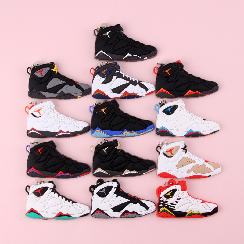 Keychain New Exotic Mini Jordan 7 Retro Shoe Key Chain Men And Women Kids Gift Keyring Basketball Sneaker Key Holder Porte Clef