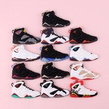 Keychain New Exotic Mini Jordan 7 Retro Shoe Key Chain Men and Women Kids Gift Keyring Basketball Sneaker Holder Porte Clef